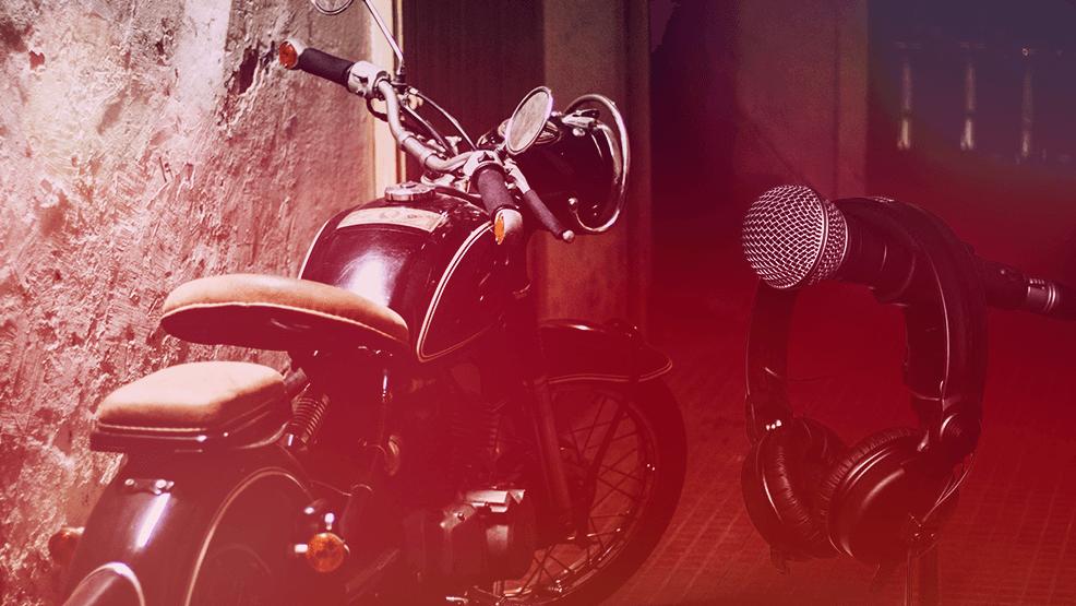 5 videoclips que huelen a moto. ¡Al cantante del 4 le tendrían que poner una multa!