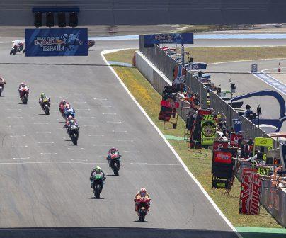 circuito de jerez con pilotos del mundial de motoGP