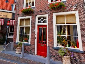Dagtocht Delft, koningshuis en keramiek