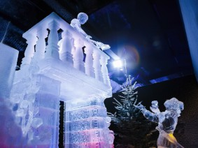 busreis ijsbeelden festival