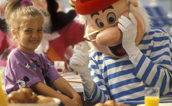 Disneyland Paris character meals