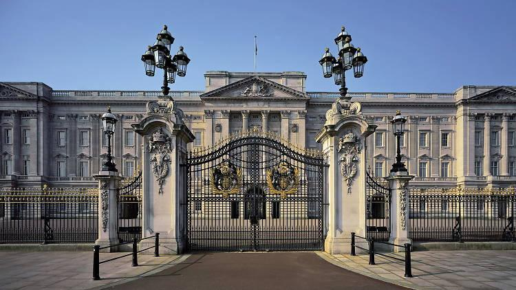 Buckingham Palace Tour on 1 August 2018 / Events / Britbound