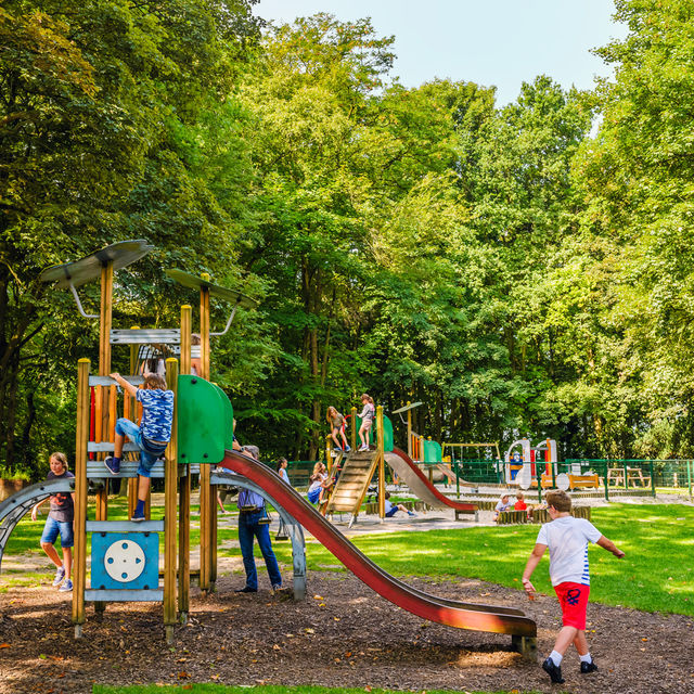 Cinco parques infantiles en Bruselas