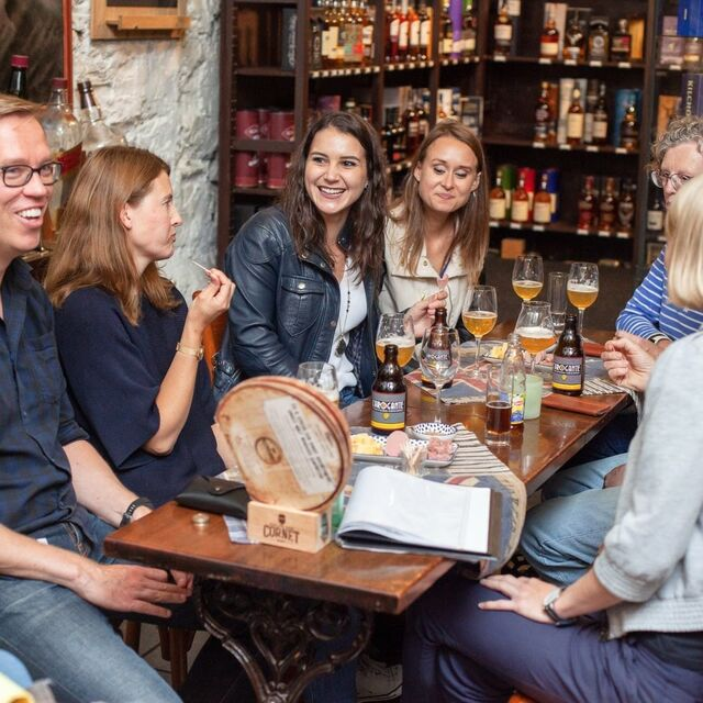 Discover Brussels' beer world with a passionate young local incl. a chocolat pairing