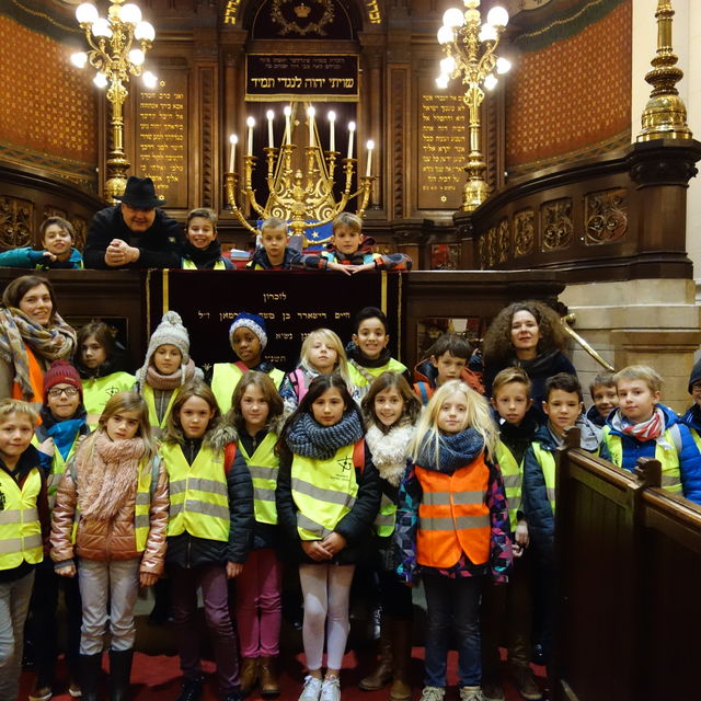 Visit a synagogue in Brussels