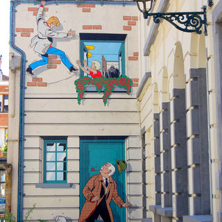 The Walls Of The Comic Strip Walk In Detail Visit Brussels