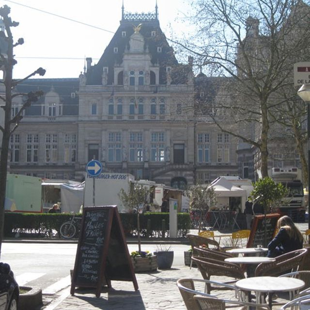 Market of Place Van Meenen