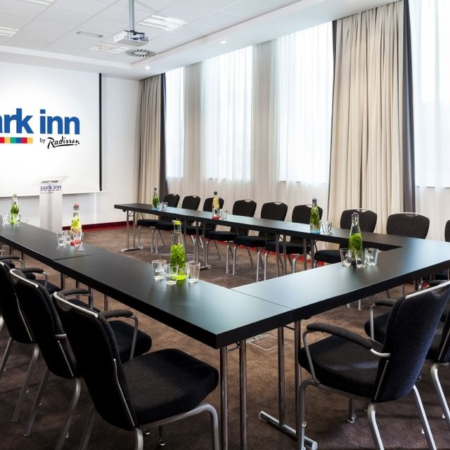 Park Inn by Radisson Brussels Midi Hotel