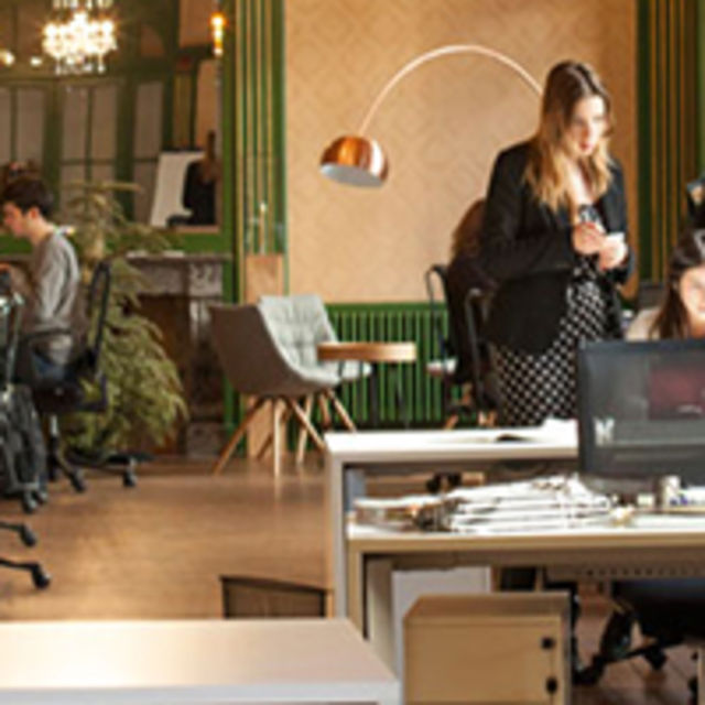 Les Galeries : a co-working & art space