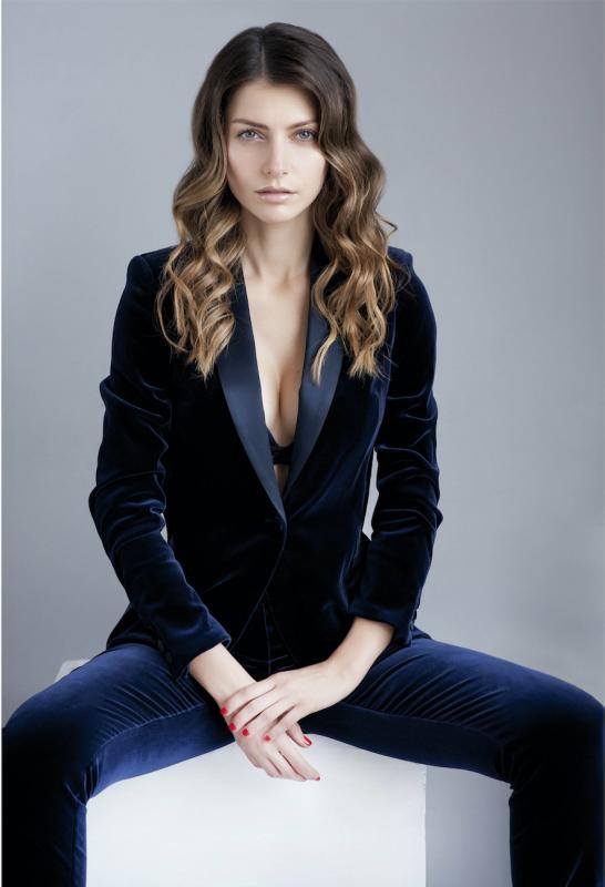 Laura B