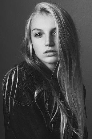 Axelle - - New faces