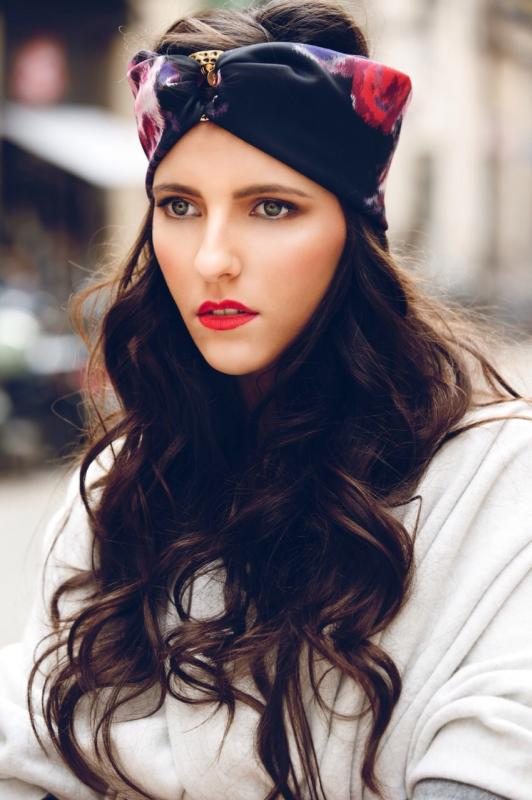 Lara C - W cast