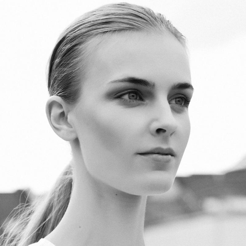 Anna M - Direct booking women