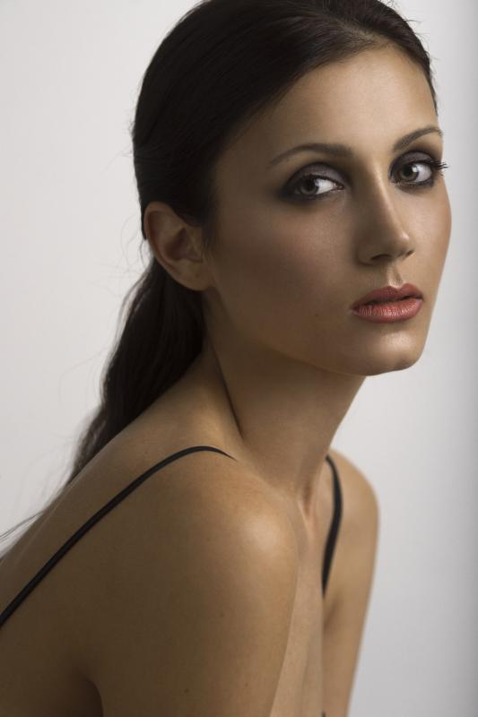 Antonina R - Women uae