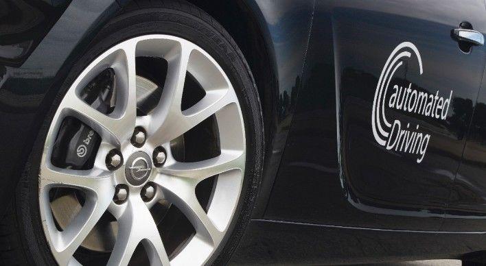 GM y Opel lanzarán el primer vehículo de conducción autónoma en dos años