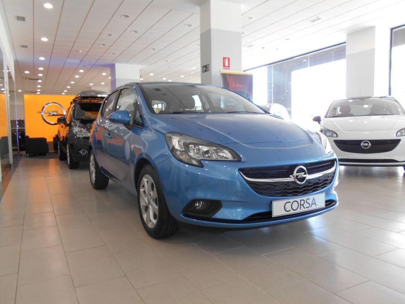 OFERTA ESPECIAL / 9.890 € / OPEL CORSA SELECTIVE 1.4 90CV gasolina 5 puertas.
