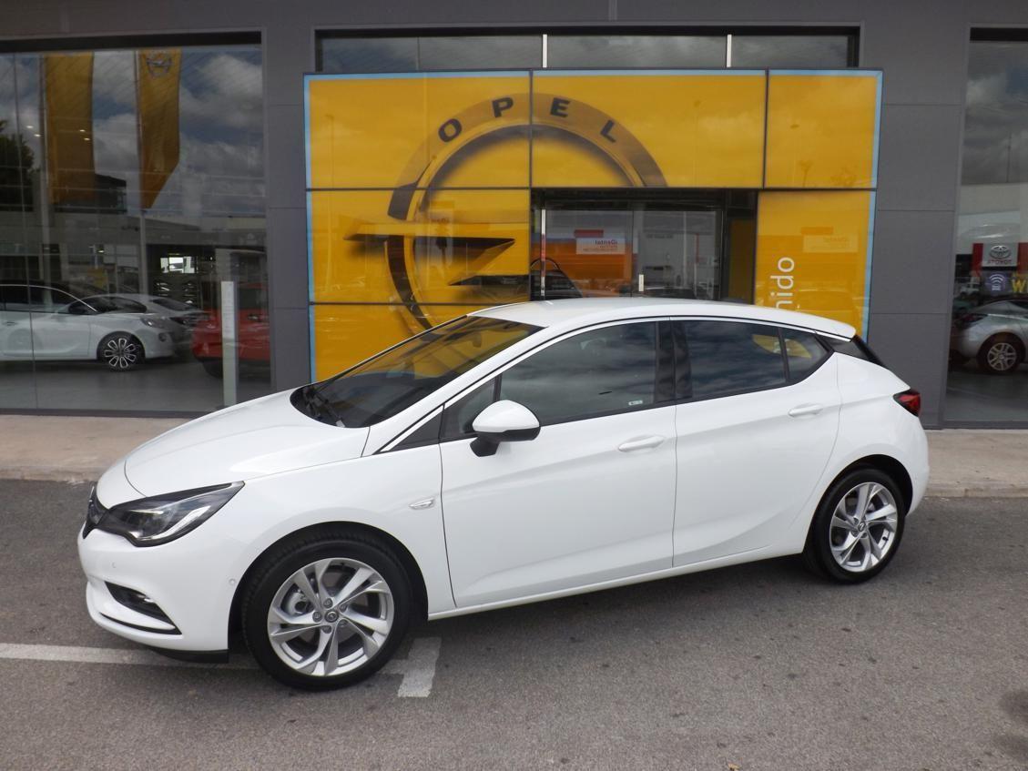 Opel Astra Liquidación de stock por sólo 137€ al mes.