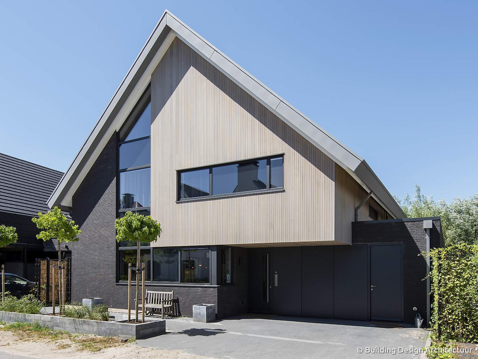 Building design architectuur - Exterieur ingang eigentijds huis ...