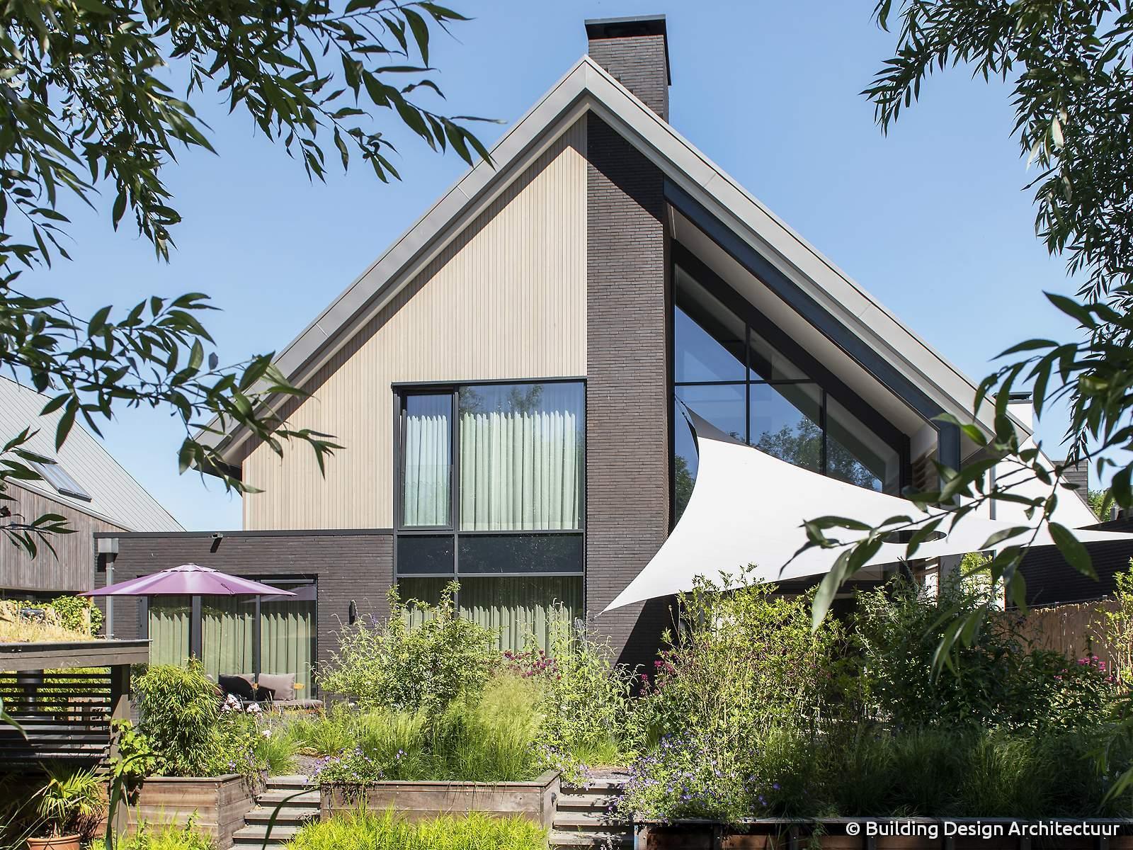 Building design architectuur - Kleur gevel eigentijds huis ...