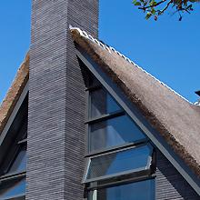 Rietgedekte villa in Aalsmeer