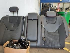 https://s3-eu-west-1.amazonaws.com/bumblebeeauction/202003/Mondeo Rear Seat3asmall.jpg