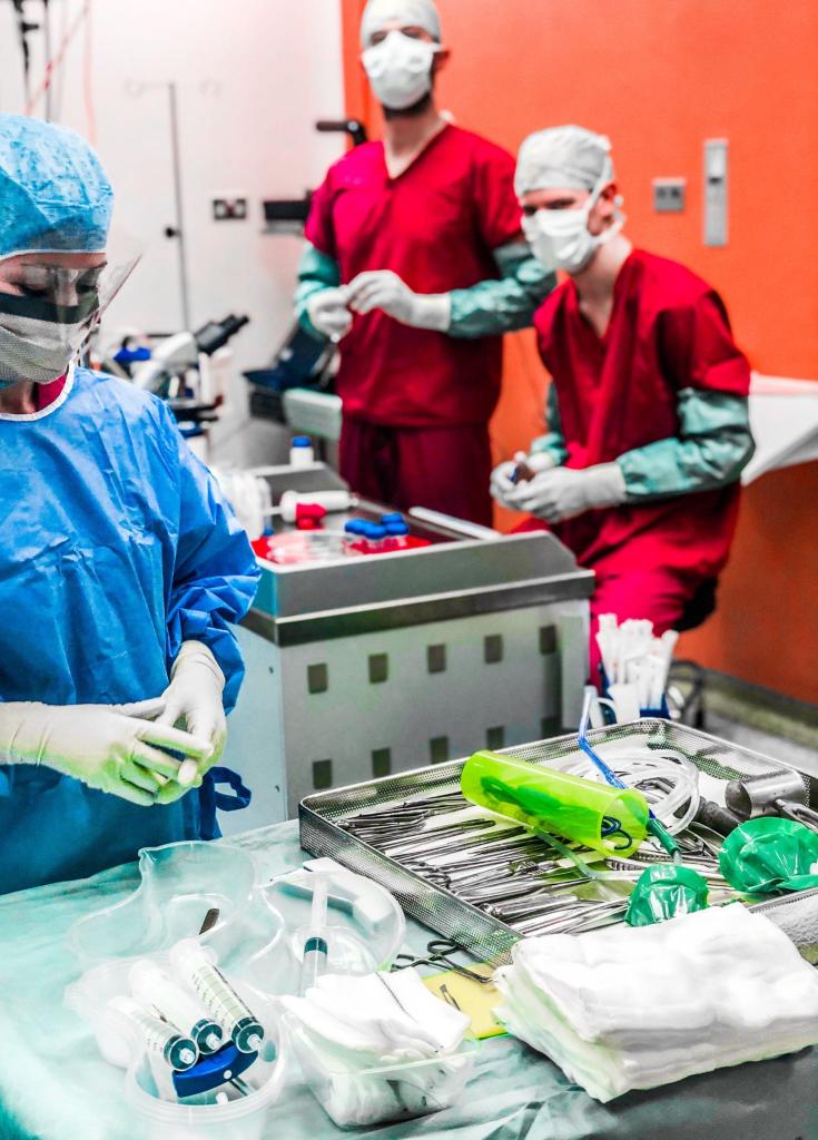 Professor Paul Lee: Trauma & orthopaedic surgery