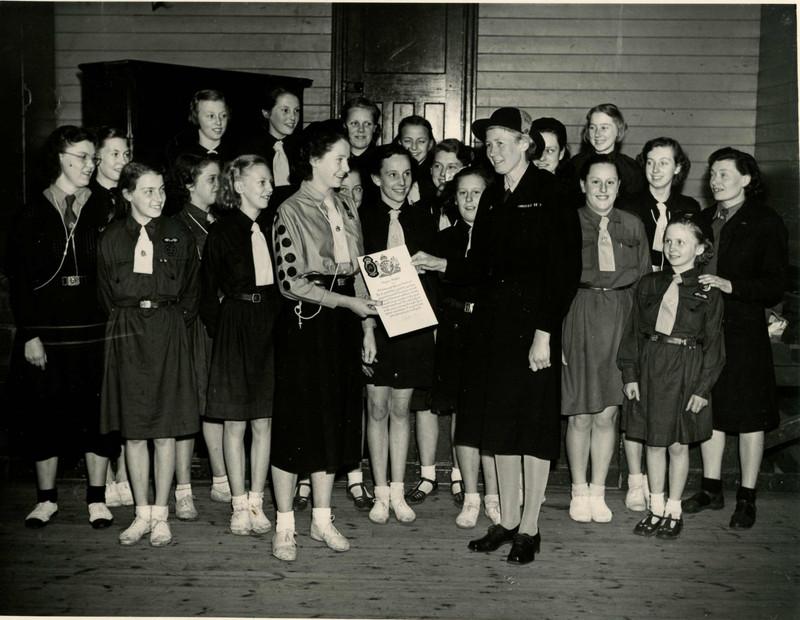 St Nicholas Guides - 1950 - Presentation.jpg