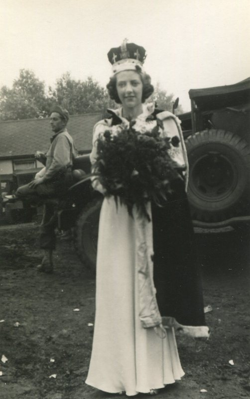 Leonora Nelson - Working Life: First Jobs, Working in the War and VE Day