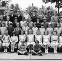 Green End Junior School, Standard 2A, June 1964.jpg