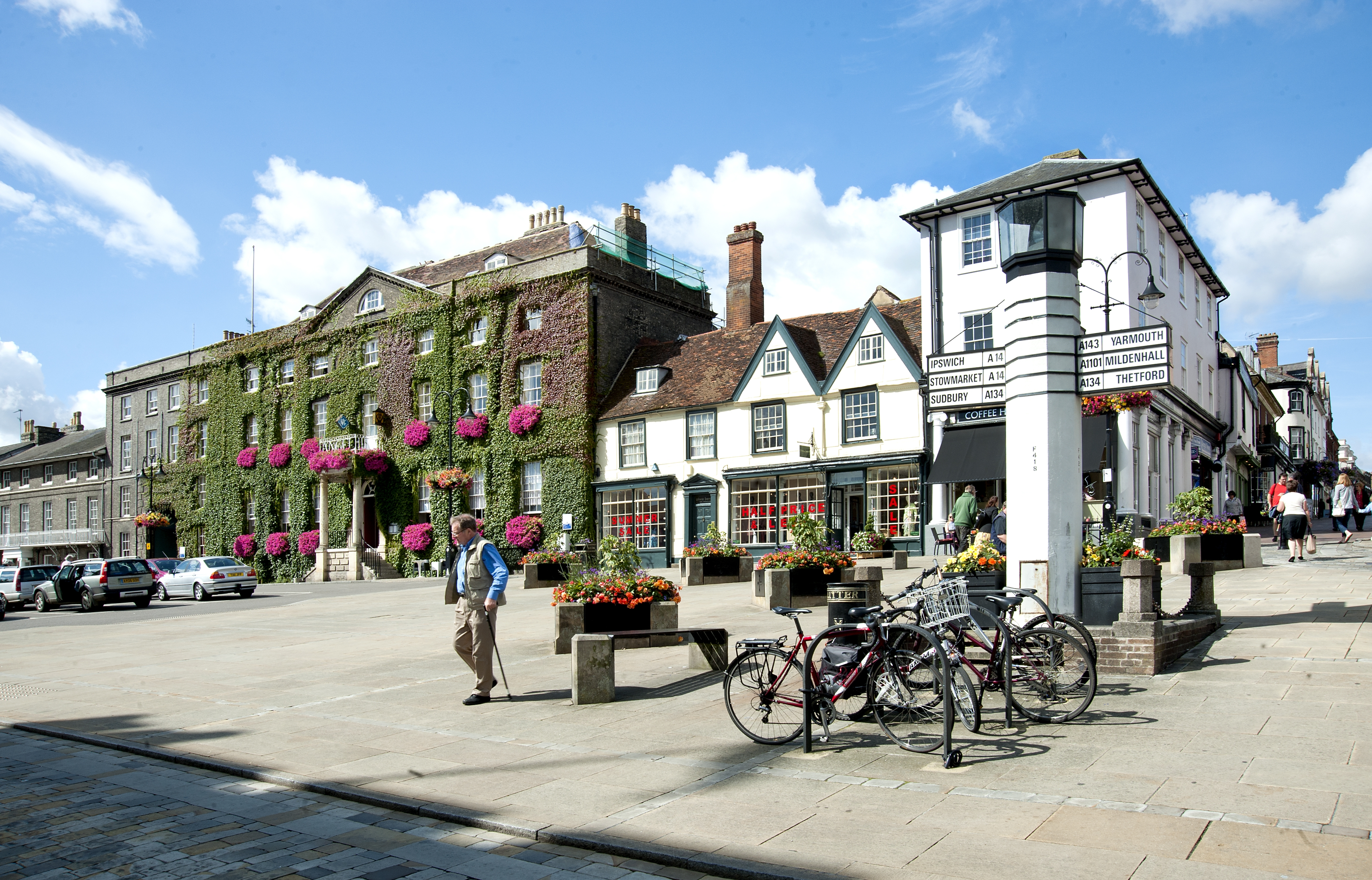 Win tickets to the Bury Festival and a luxury hotel stay!