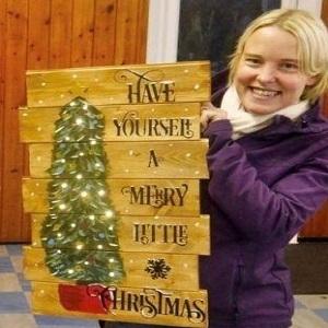 Booze & Brushes - Christmas Tree Pallet Painting