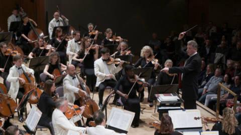 Halle Carol Concert 1819