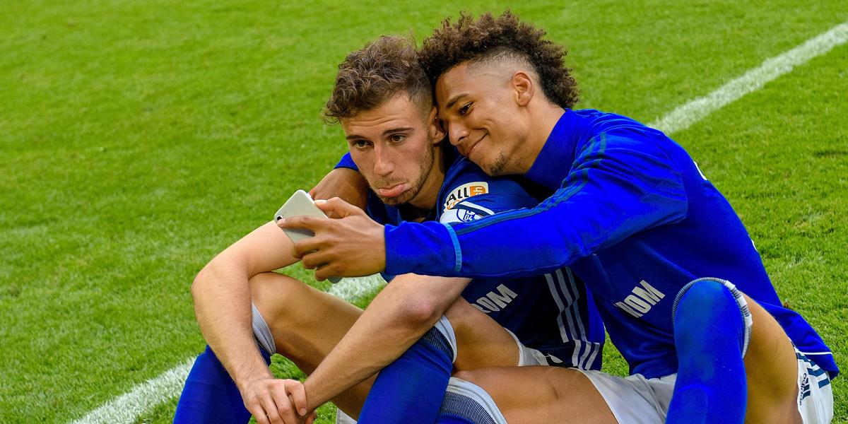 Bricht Schalke die Abwehr weg? Auch Nastasic pokert.