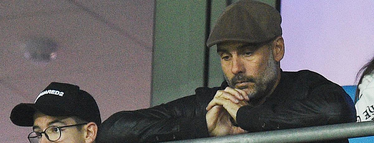 Pep Guardiola als Tribünengast.