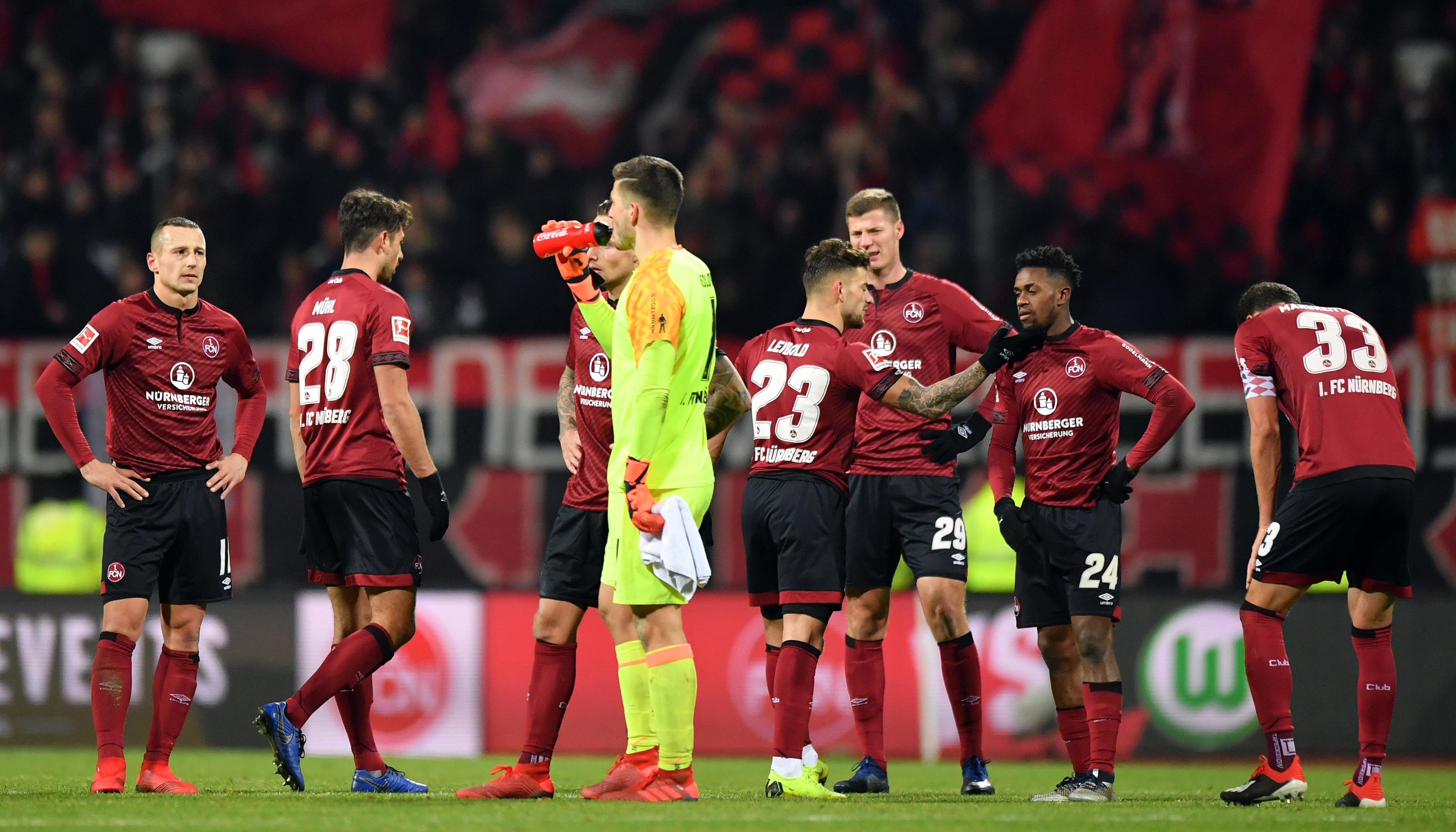 Bundesliga Abstiegskampf: Fünfkampf gegen den Abstieg
