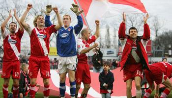 Energie Cottbus – FC Bayern München: Festtagsstimmung im Stadion der Freundschaft