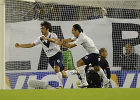 Bet on some Argentine magic as Velez visit Penarol