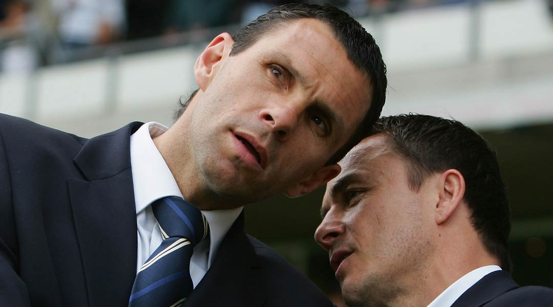 Dennis-Wise-and-Gus-Poyet-discuss-Leeds-United-matters