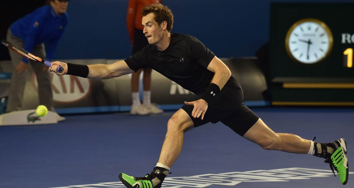 Andy Murray eyes up a forehand during his Australian Open quarter final qwin over Nick Kyrgios