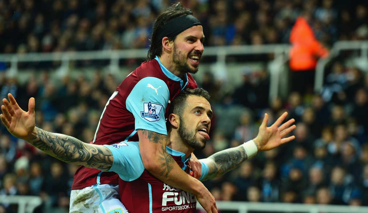 Danny-Ings-George-Boyd-celebrate-Burnley
