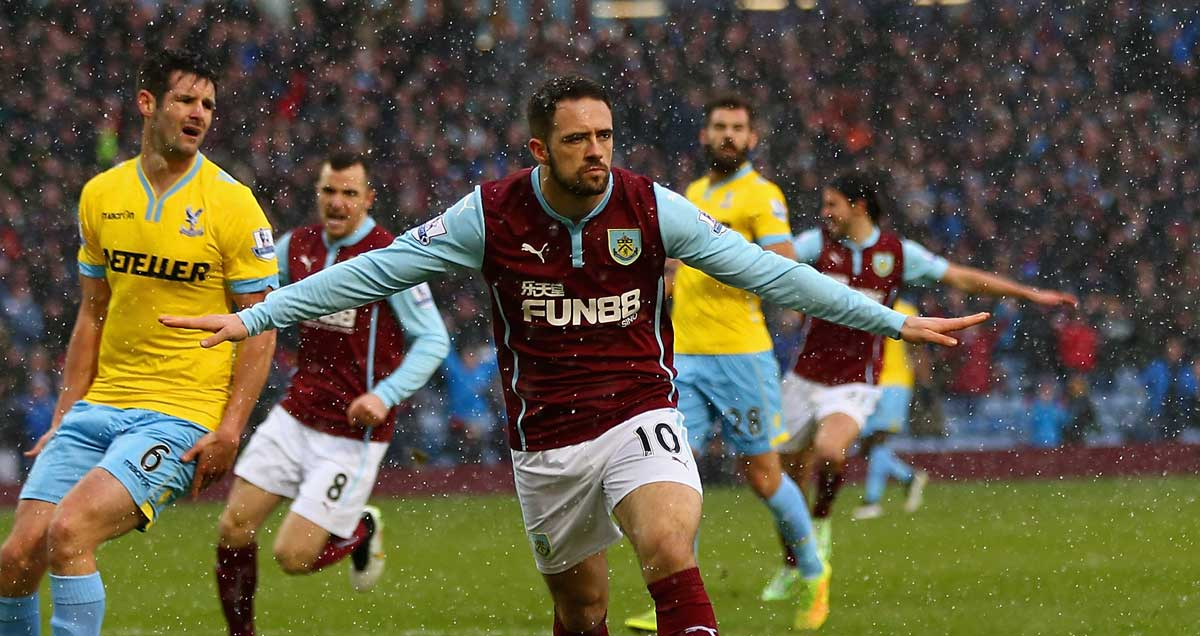 Danny Ings celebrates a Burnley goal against Crystal Palace