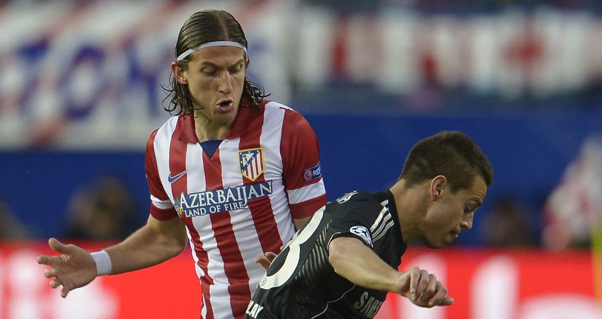 Filpe Luis and Cesar Azpilicueta do Champions League battle