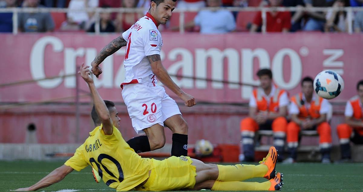 Gabriel-slides-in-for-Villarreal