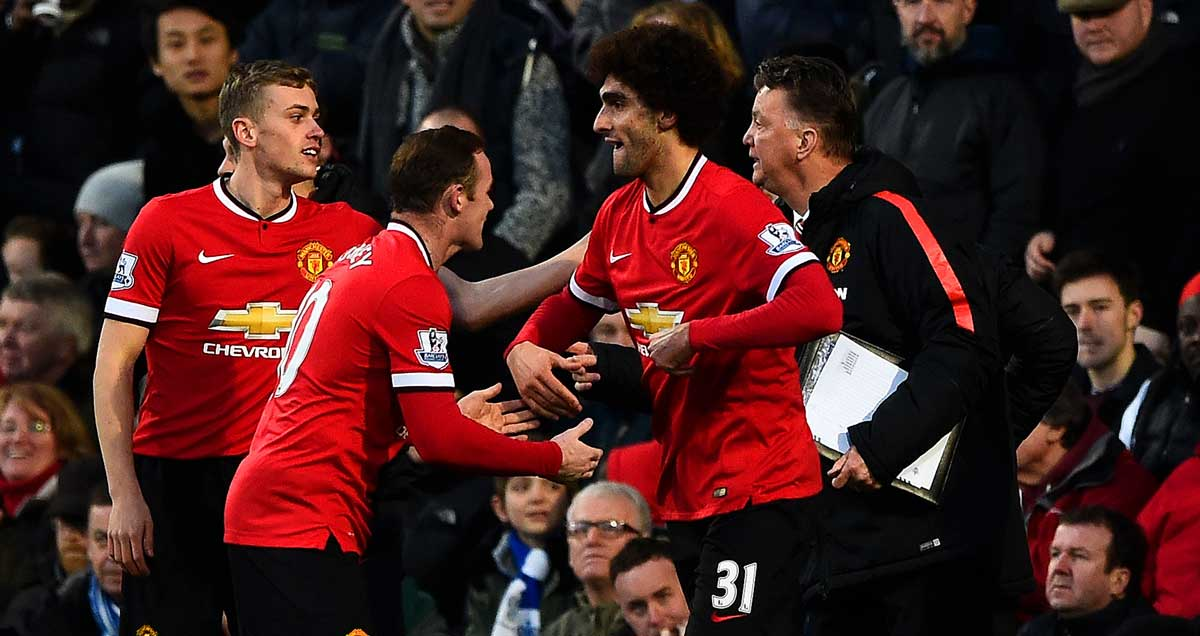 Man-Utd-Marouane-Fellaini-congratulated