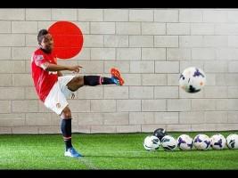 Watch Man Utd star Anderson take bwin's Corner Kick Challenge