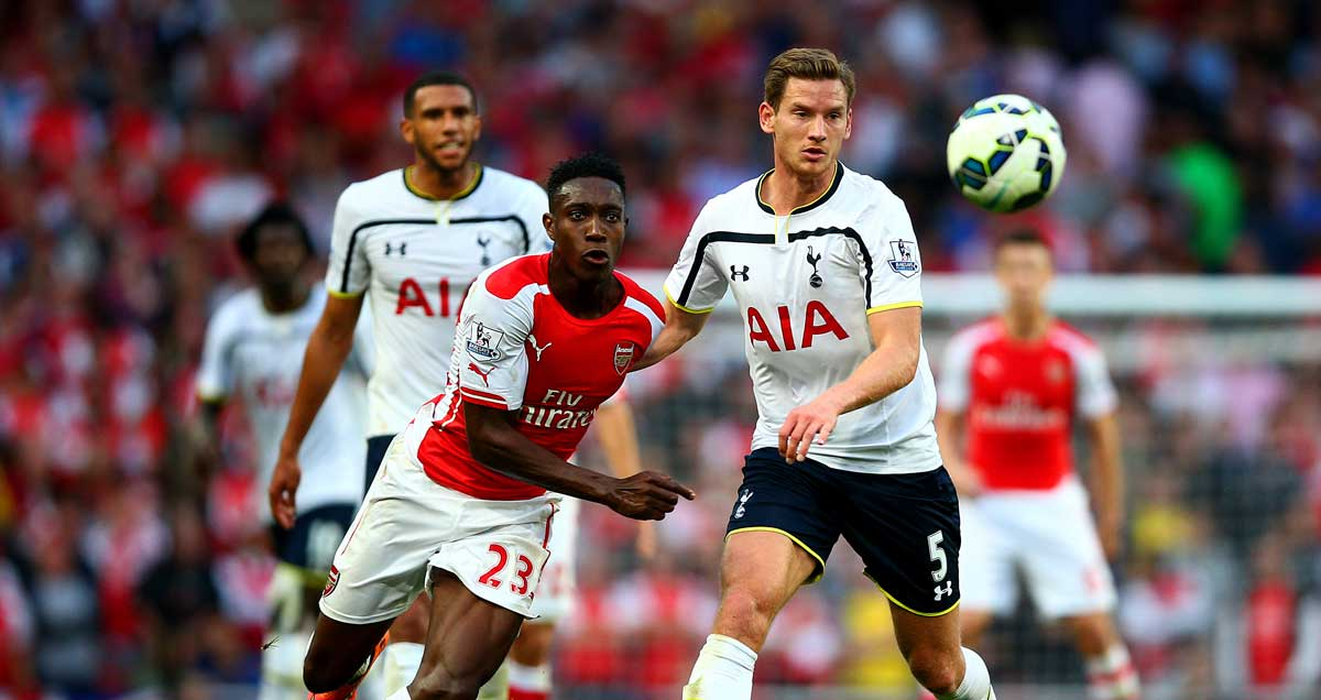 Danny Welbeck and Jan Vertonghen race after the ball