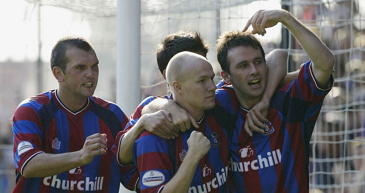 Dougie Freedman celebrates a goal during Crystal Palace's 2003/04 promotion campaign