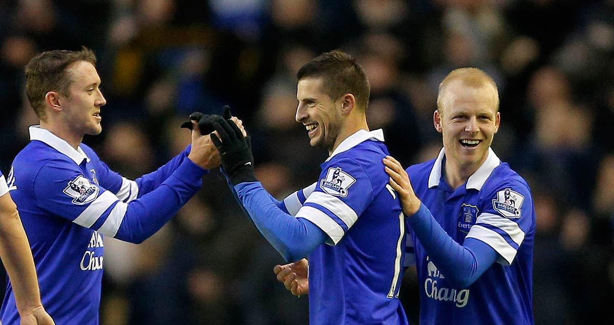 Everton's (L-R) Aiden McGeady, Kevin Mirallas and Steven Naismith