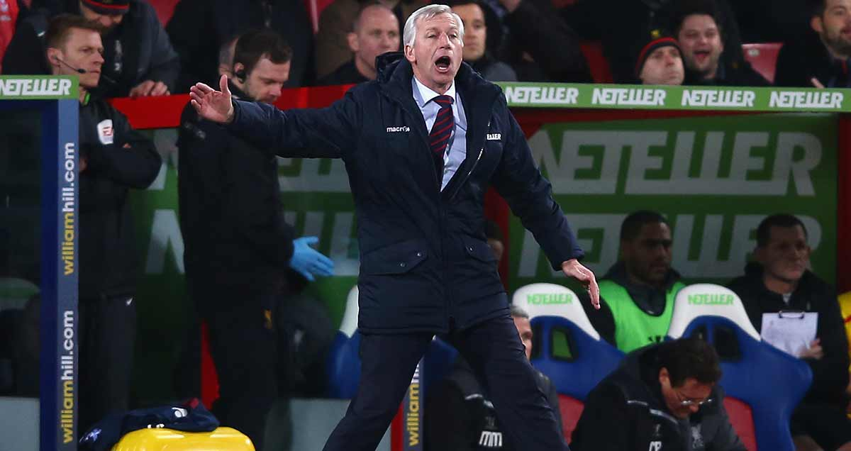 Alan Pardew remonstrating on the sidelines