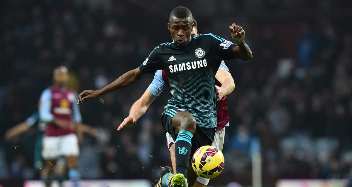 Ramires charges through the Aston Villa midfield